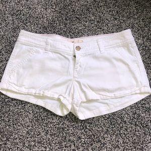 White Hollister shorts size 3 W26